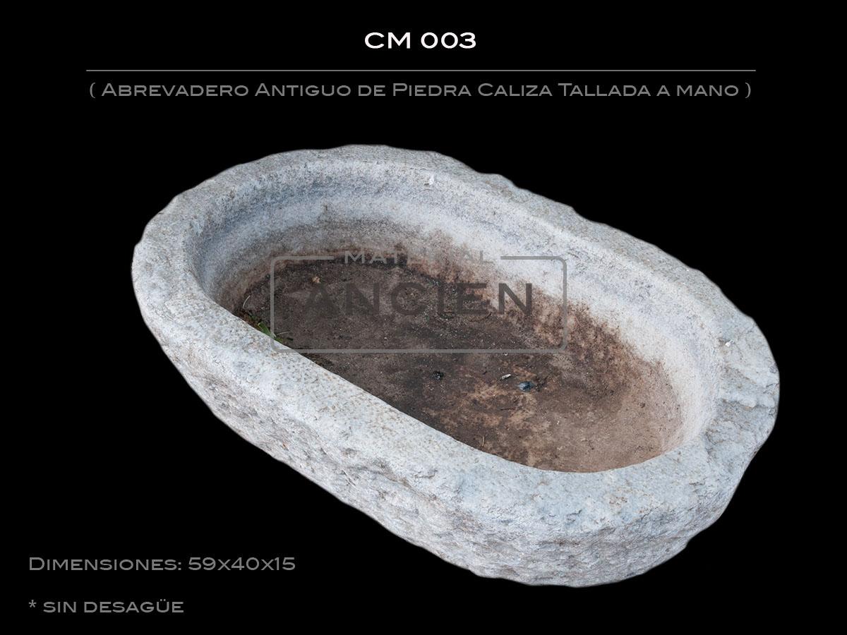 Comedero Antiguo de Piedra Caliza Tallada a mano CM 003