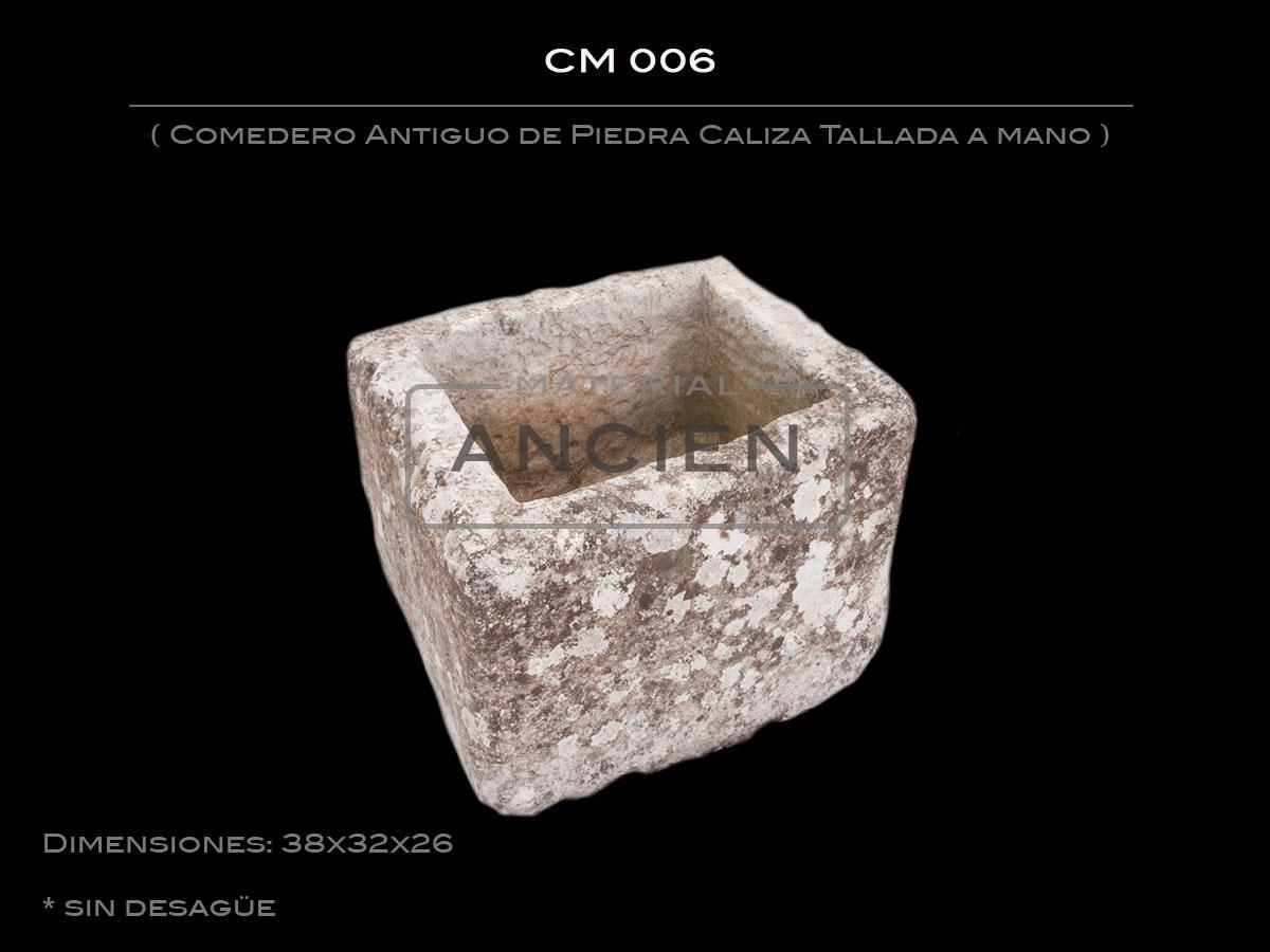 Comedero Antiguo de Piedra Caliza Tallada a mano CM 006